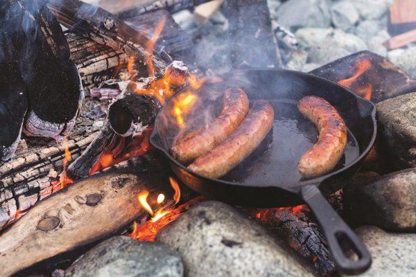 Castiron Campfire Brats